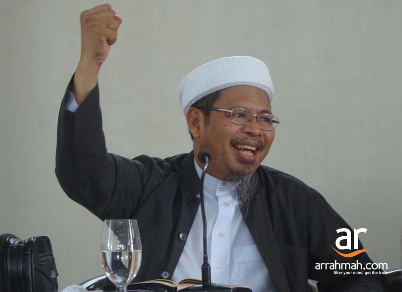 Khutbah 'Idul Adha 1433 H: Syari'ah Islam Solusi Globalisasi